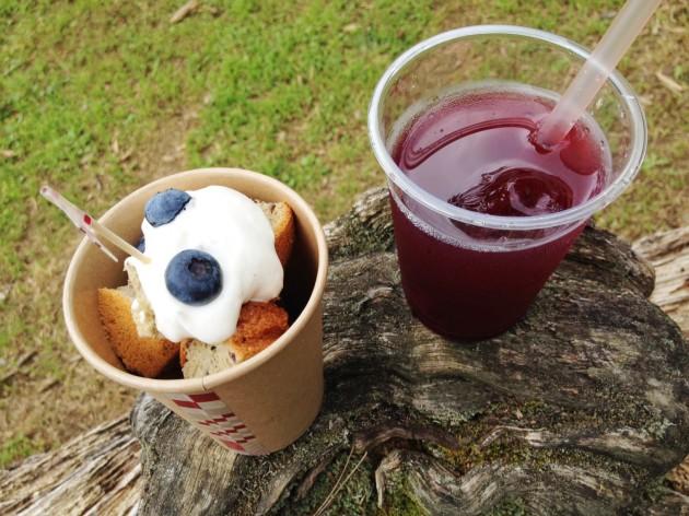 カップシフォンケーキ、ブルベリー粒つぶジュース